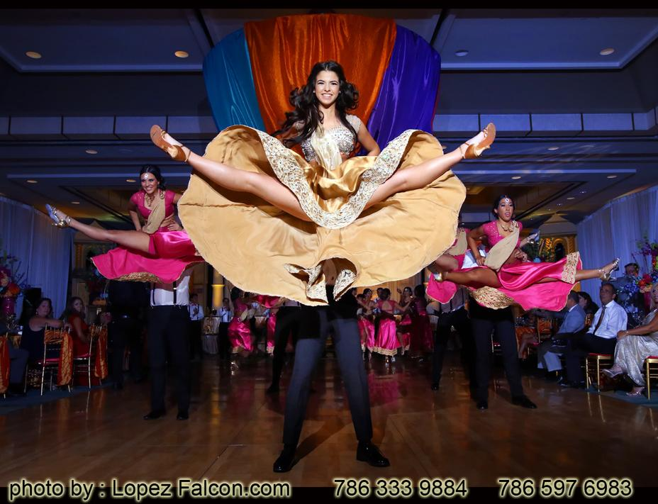 QUINCEANERA BOLLYWOOD SURPRISE DANCE MIAMI QUINCES PARTY PHOTOGRAPHY VIDEO DRESSES BOLLYWOOD CHOREOGRAPHY CHOREOGRAPHER 15 ANOS COREOGRAFIA COREOGRAFO BAILE DE QUINCEANERA BEST