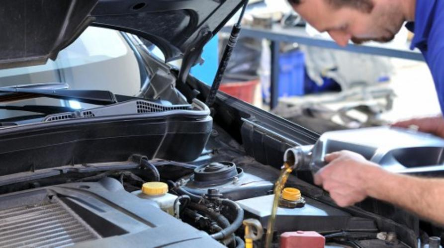 Transmission Fluid Services and Cost in Las Vegas NV | Aone Mobile Mechanics