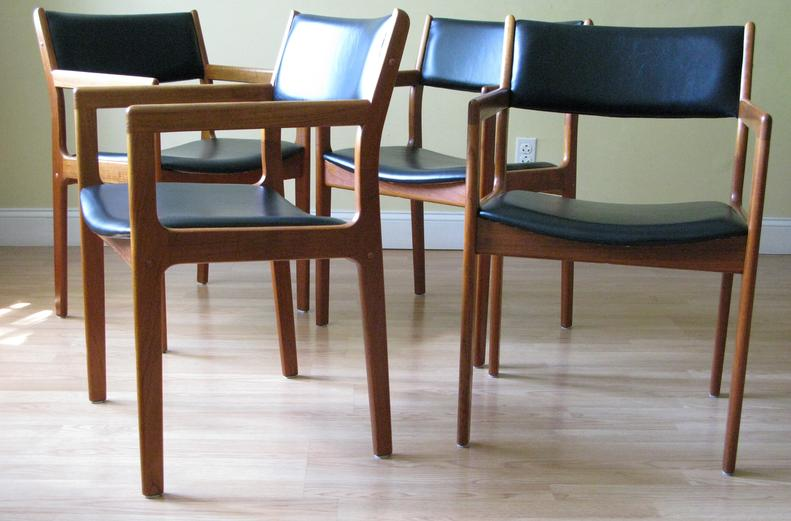 Danish Midcentury Modern Finely Refinished Reupholstered