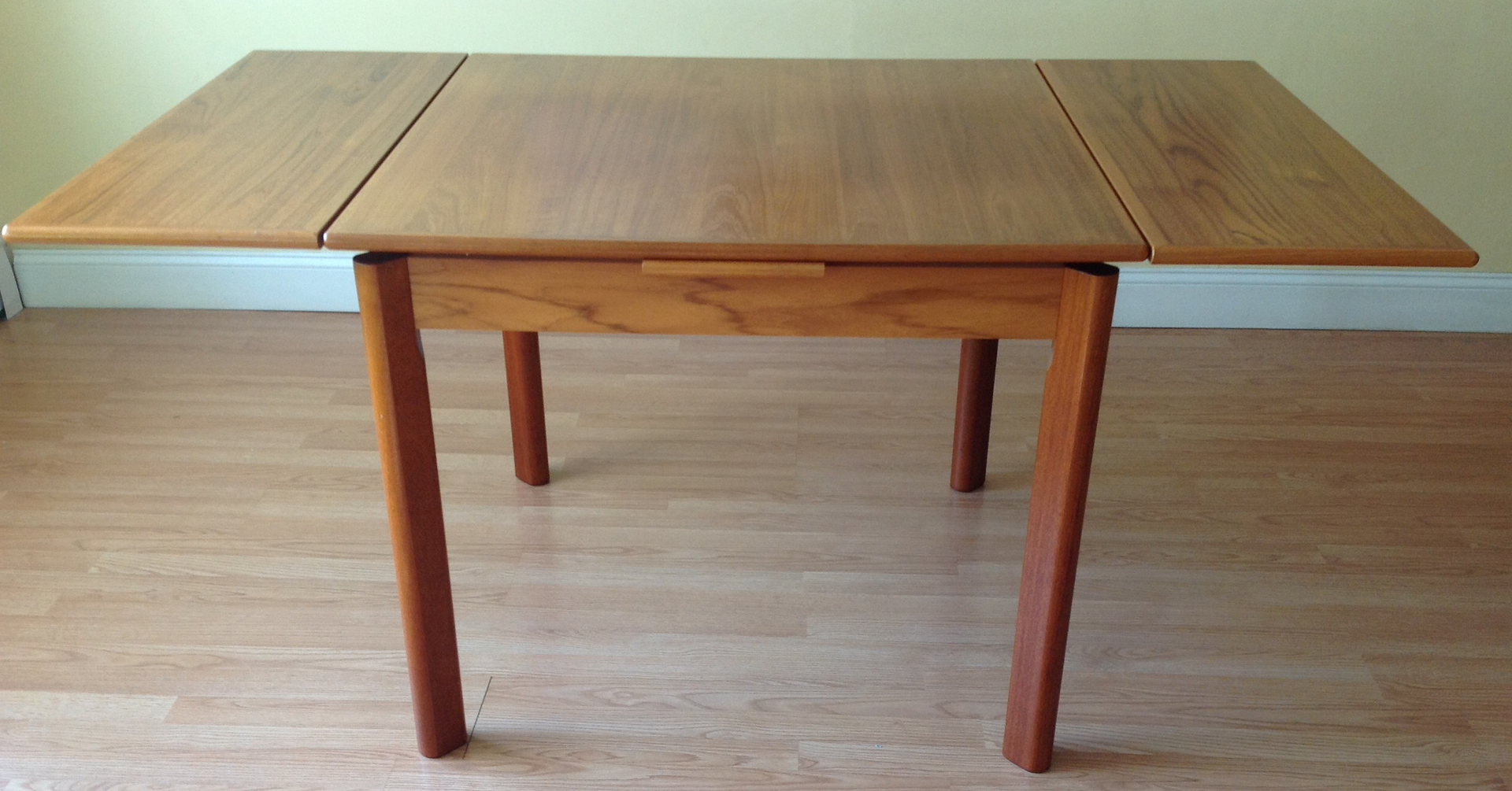 Teak extension dining table in excellent condition very clean and - Each Leaf Adds 13 3 4 Height Is 30
