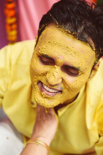 dwarka-wedding-photography-haldi-wedding-photo-groom