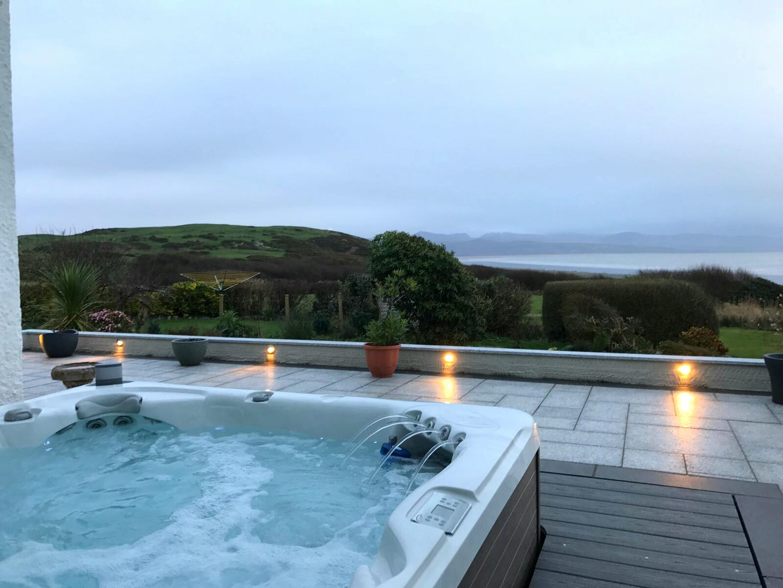 Hot Tubs North Wales - Concept Spa