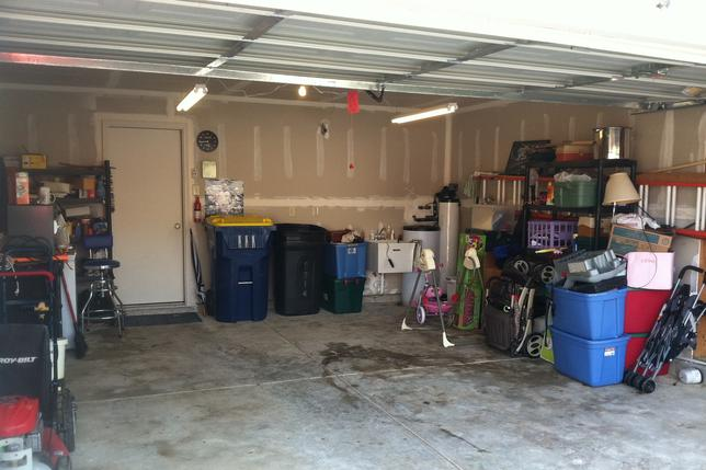 Leading Garage Cleanout Services in Omaha NEBRASKA | Price Cleaning Services Omaha