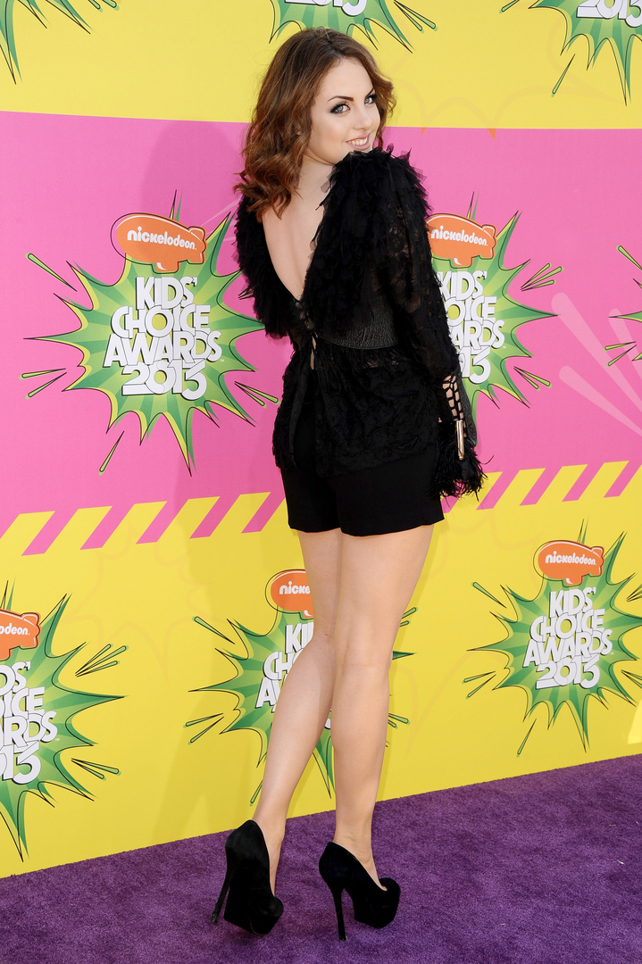 Elizabeth gillies legs voltagebd Choice Image