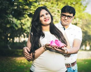PROFESSIONAL & BUDGET MATERNITY PHOTOGRAPHER GURGAON