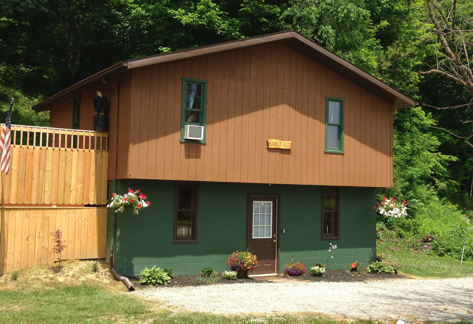 ohio coshocton amenities in new cabin near features log millersburg pictures rentals amp cheap lodge cabins crest of rental