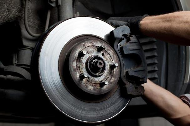 Mobile Brake Repair Services and Cost Mobile Brake Maintenance and Services | Mobile Auto Truck Repair Omaha