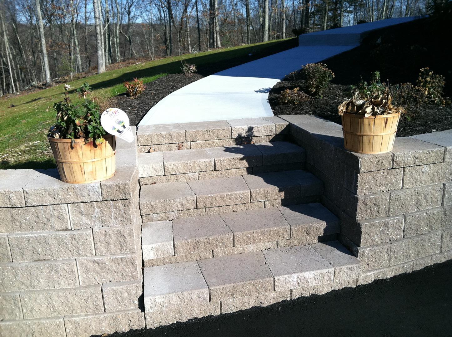 Versa-lok retaining wall and steps, bluestone steps