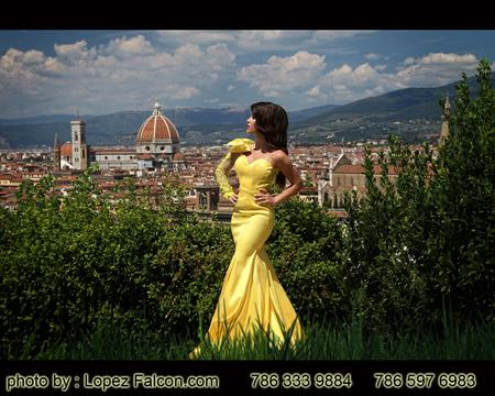 Florence Quinceanera Photography Quince Photo Shoot in Florence Italy Quince Video Florence Quinces Dresses in Florence Fotos de Quince en Florencia Italia Fotografo para Quinceanera Vestidos de 15 Fifteens Pictures Sweet 16 15 Quince Photographer in Florence Italy