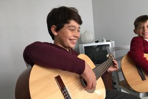 Give Your Child a Great Start on Guitar