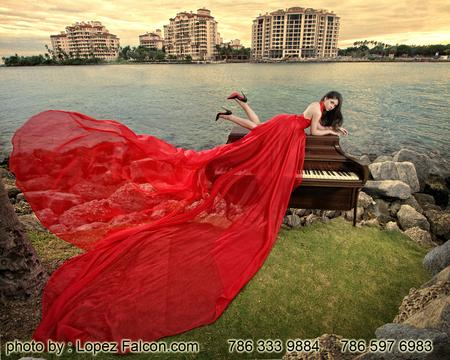 MIAMI BEACH QUINCEANERA PHOTOGRAPHY