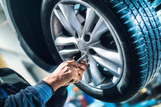 Mobile Tire Replacement Services and Cost | Mobile Auto Truck Repair Omaha
