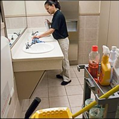 EXCELLENT BATHROOM CLEANING SERVICE IN OMAHA, NE