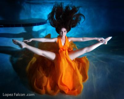 QUINCEANERA UNDERWATER VIDEO CLIP