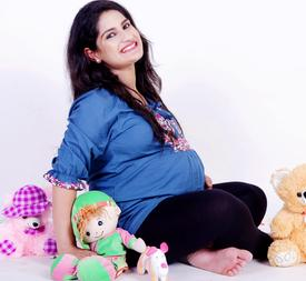 PROFESSIONAL MATERNITY PHOTOGRAPHER SOUTH DELHI