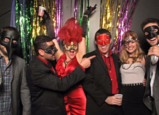 "<img src=""CompanyEventPhotoBooth.jpg"" alt=""Company event in Nashville having fun in photo booth"">"