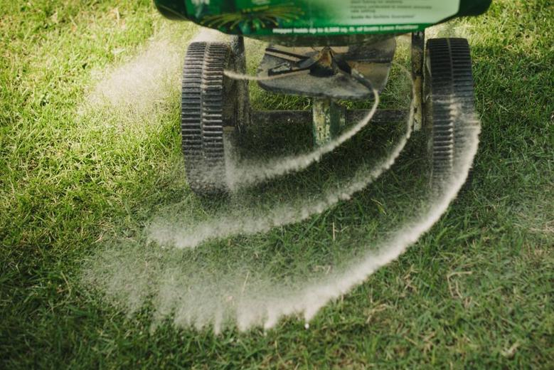 COMPETENT LAWN FERTILIZATION SERVICES IN EDINBURG MCALLEN TEXAS