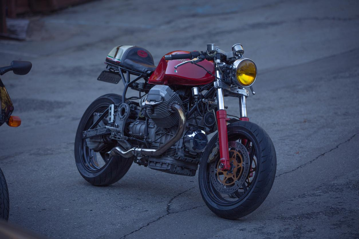 cafe racer custom motorcycle moto guzzi