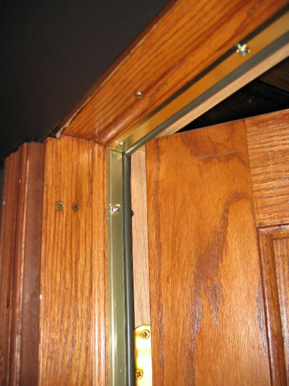 EXTERIOR DOOR WEATHER STRIP REPLACEMENT SERVICES
