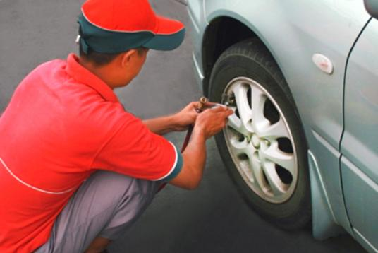 Tire Air Pressure Checks Services and Cost | Mobile Auto Truck Repair Omaha