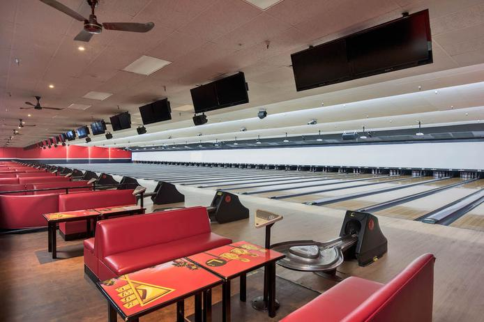 Best Bowling Saloon Cleaning Services in Omaha NE | Price Cleaning Services Omaha