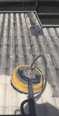 roof pressure cleaning sunshine coast