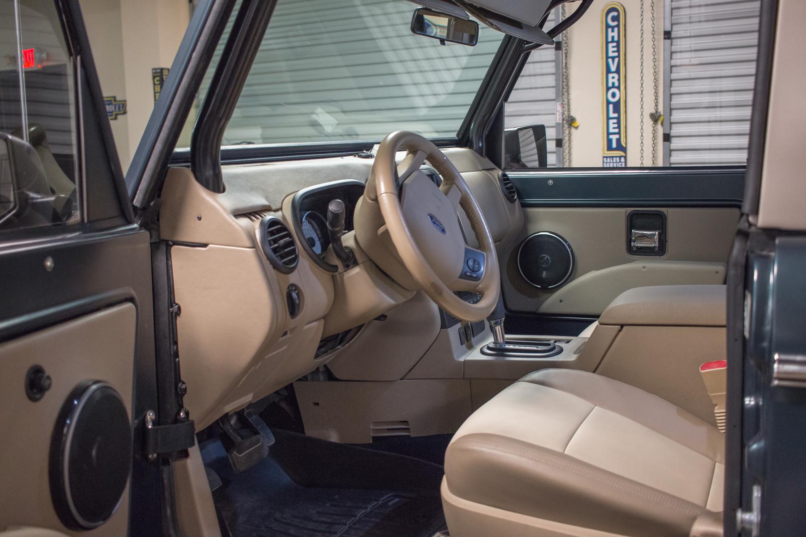 Classic Bronco 1971 Ford Interior