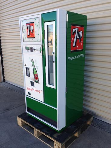 7-up Selectivend antique soda machine