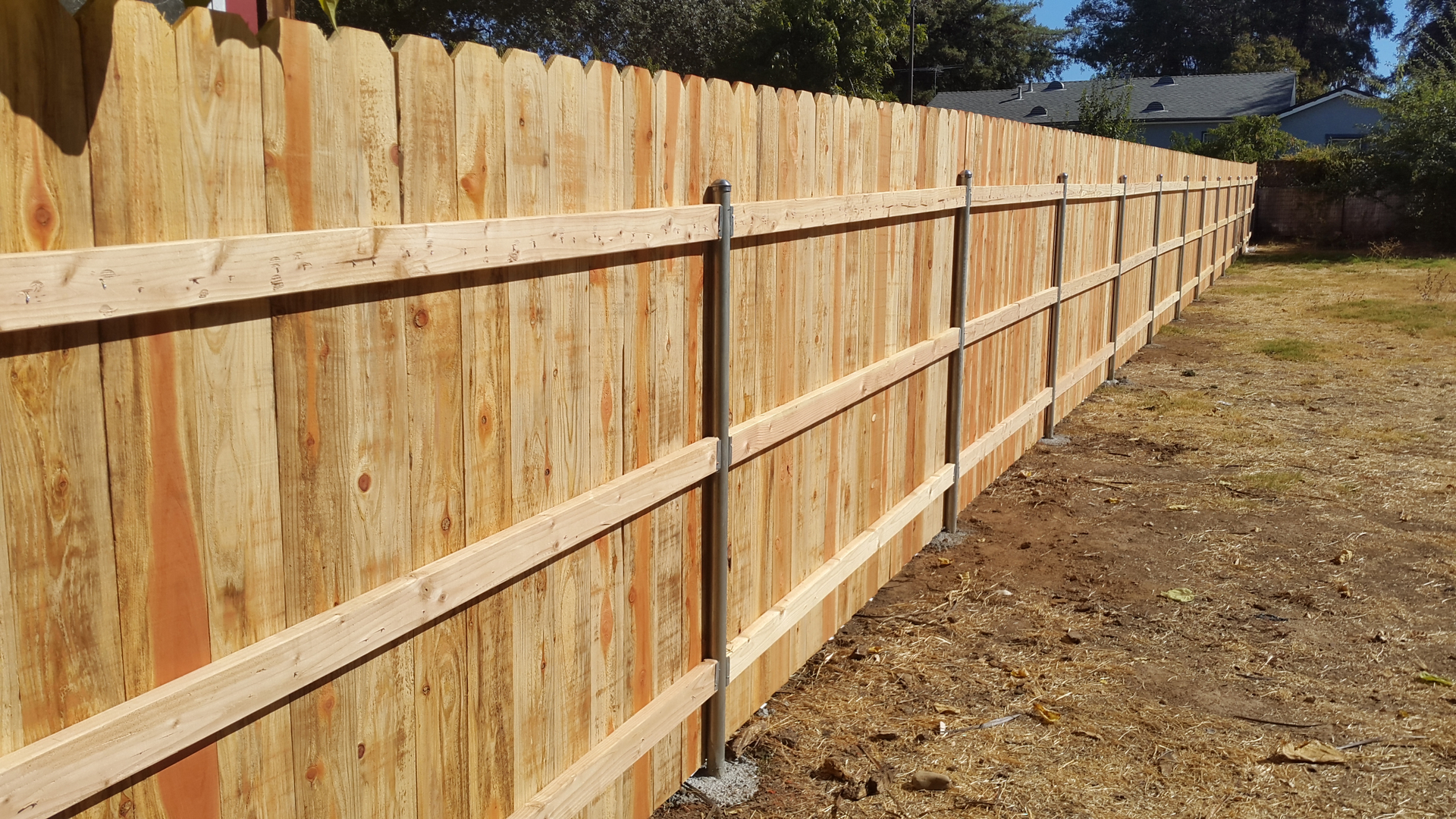 Metal post for wood fence - Wood Picket Fencing Is Generaly A Verticle Installed Wood Plank Along A Wooden Frame With Wood Or Metal Posts The Material Most Used For Wood Picket