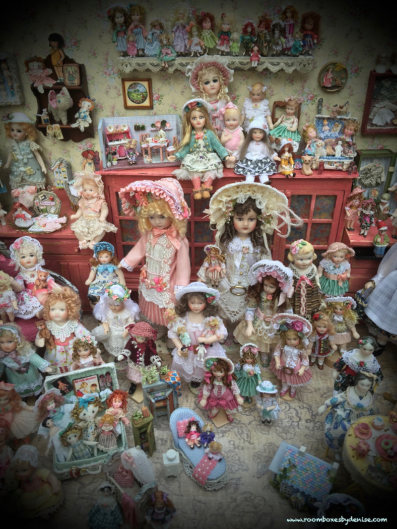 Lotsa Dolls