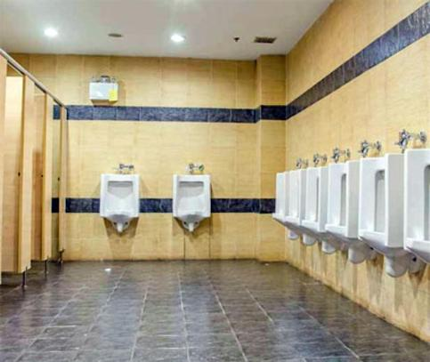 RESTAURANT RESTROOM CLEANING COMPANY