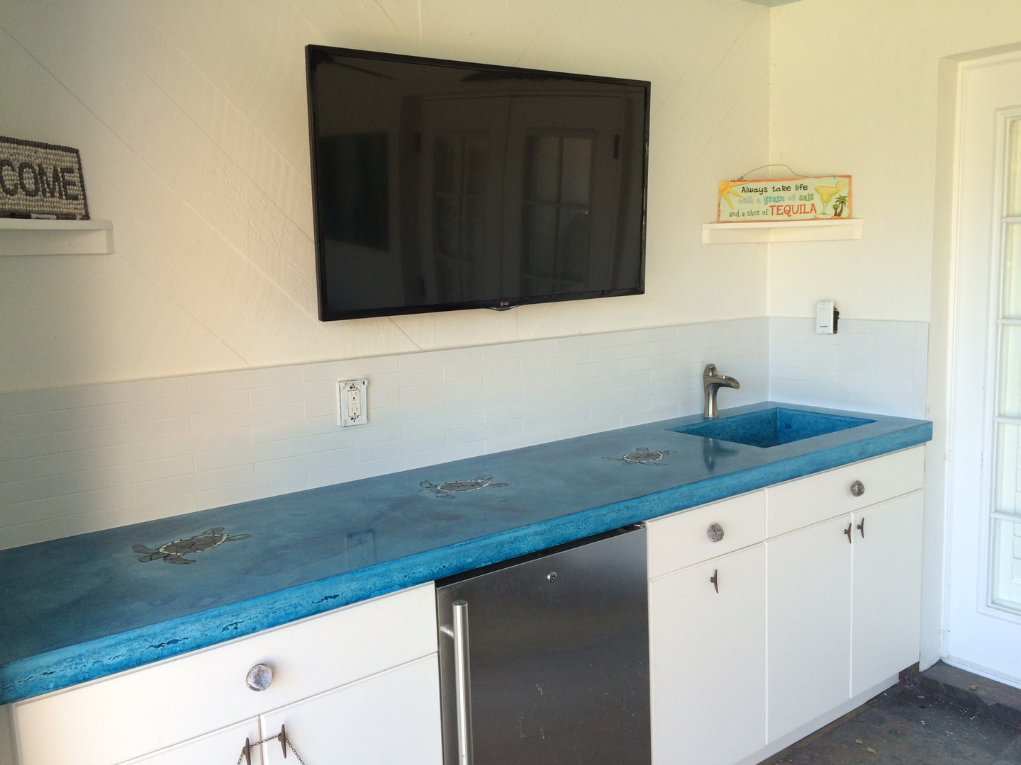 Custom Concrete Counter Tops And Sinks, Custom Concrete Staining Or ...
