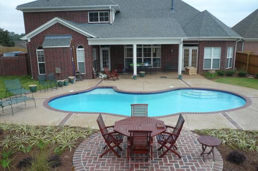 Residential Swimming Pool Service Pool Maintenance Pool Cleaning and cost in Edinburg McAllen | Handyman Services of McAllen