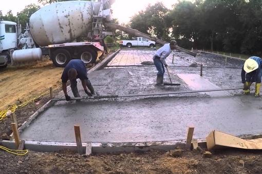 Best Pouring Concrete Sidewalk Service and Cost in Council Bluffs IA Nebraska | Lincoln Handyman Services