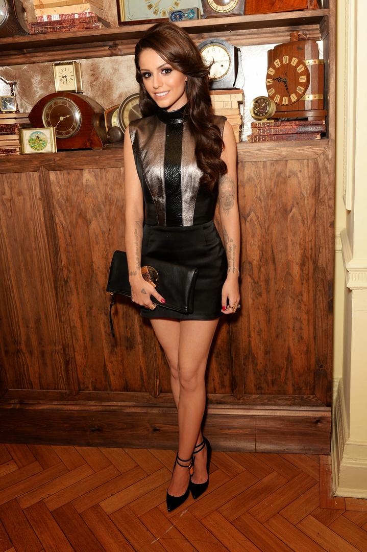 Abstand wählen schön Design Sonderangebot Cher Lloyd legs