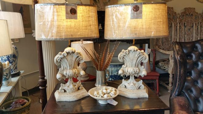 Pair of New Italian table lamps made of wood, distressed, shabby chic, with linen shades