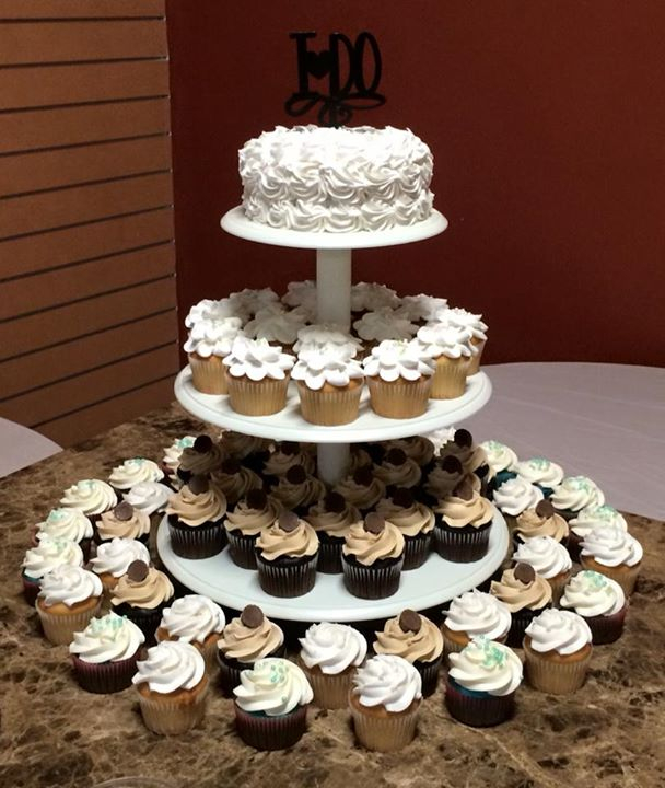 Cindy S Custom Cakes Bakery Cake Cake Shop Bakery Near Me