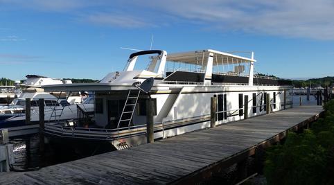 Sea Suites Boat Amp Breakfast Saugatuck Mi
