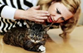 Layla Morgan Wilde with Lil Bub