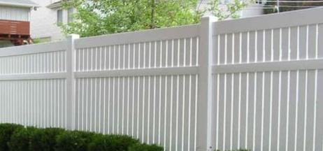 Vinyl Fence from Willoughby Fence