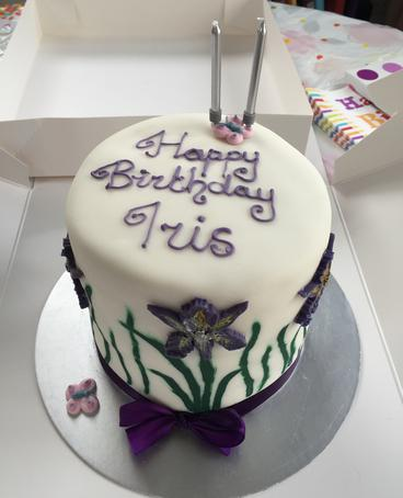 You Want It So Tell Me About And Ill Bake Create Come On In Your Ideas Have A Look Around Lola Loves Cakesof Course She Does
