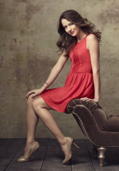Amy Acker Legs