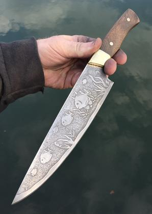 Nautical Themed Fish etched custom Chef Knife by Berg Blades. Free step by step instructions from www.DIYeasycrafts.com How to video https://www.youtube.com/watch?v=kz9Z8tNdpVQ