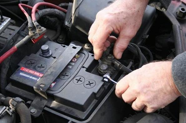 Mobile Battery Check Services Replacement and Cost Mobile Battery Check Replacement and Maintenance Services |Mobile Auto Truck Repair Omaha