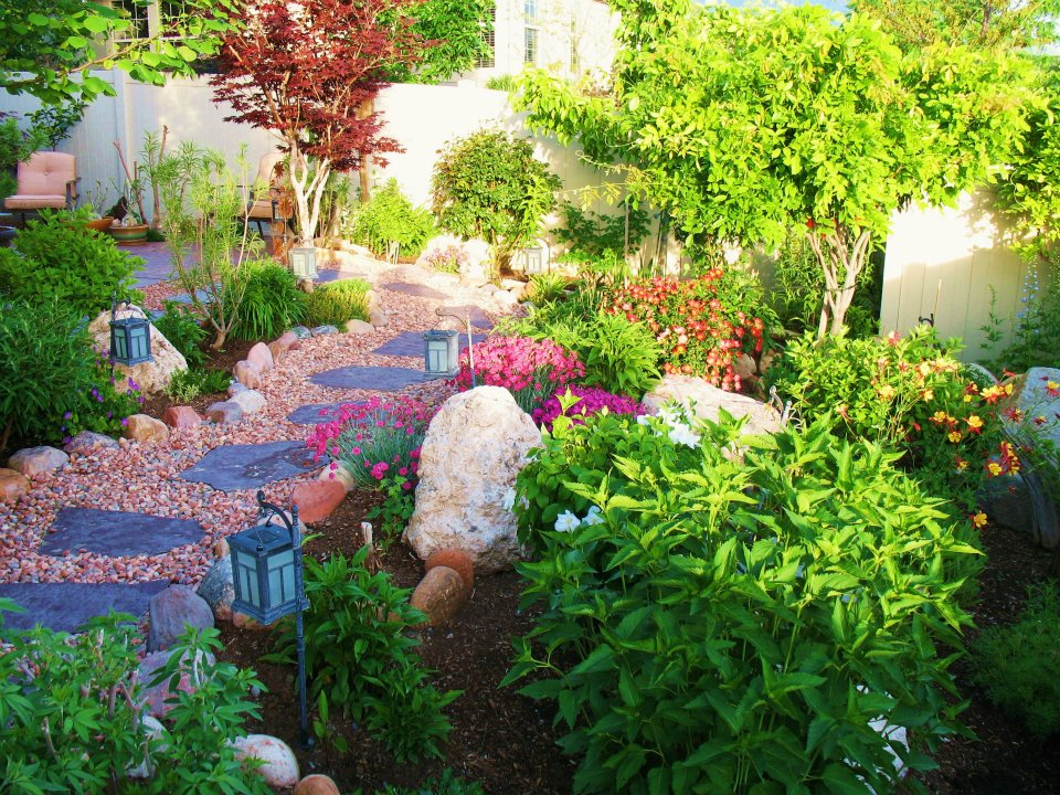 Woodstuff offers a full range of Bulk Landscaping Supplies. We can handle  any size job, from Small Quantities to Semi Diesel Loads. - Home