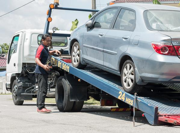 THE PREMIER MERCEDES BENZ TOWING SERVICE IN OMAHA