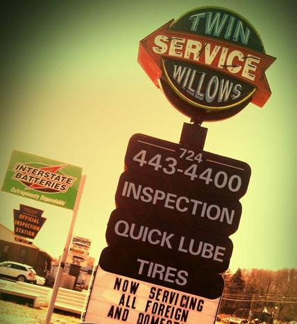 Twin Willows Service Sign