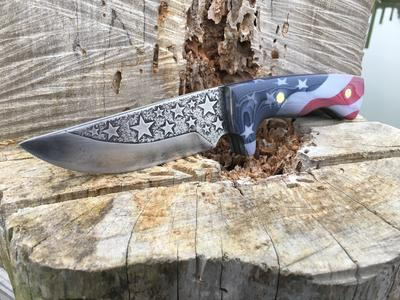 American flag Patriot themed custom knife with carvex handles. www.DIYeasycrafts.com