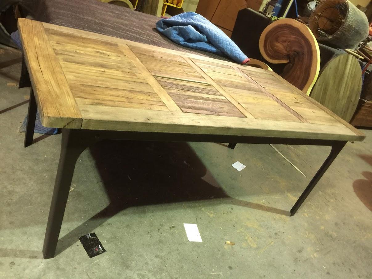 Rustic Furniture Store in Sarasota - Decor Direct Wholesale Warehouse