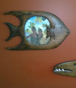 How to make a hand carved fish picture frame. Check out all of our nautical DIY craft ideas. www.DIYeasycrafts.com